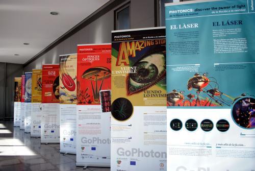 """L'exposició """"Fotònica: descobreix el poder de la llum"""""""