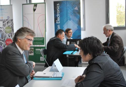 Universitat i empresa es troben a Connectem la Innovació