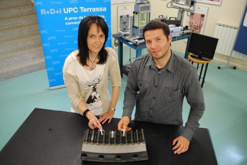 Jasmina Casals i Josep Farrè amb les vàlvules lubricadores